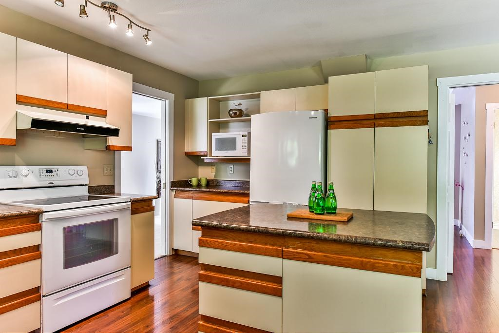 Detached at 11945 CARRIAGE PLACE, N. Delta, British Columbia. Image 6