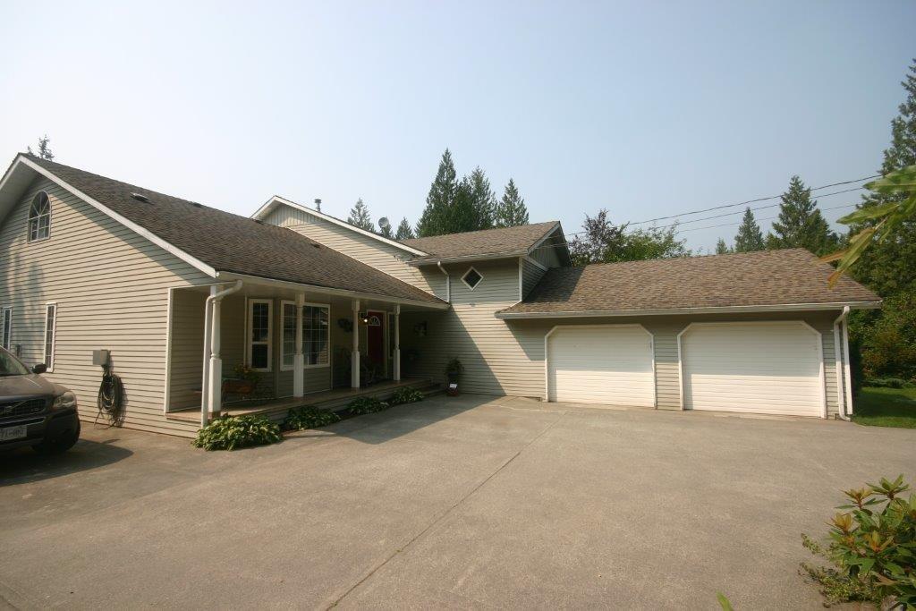 Detached at 11497 272ND STREET, Maple Ridge, British Columbia. Image 3