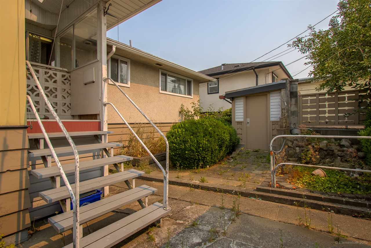 Detached at 7375 NEWCOMBE STREET, Burnaby East, British Columbia. Image 14