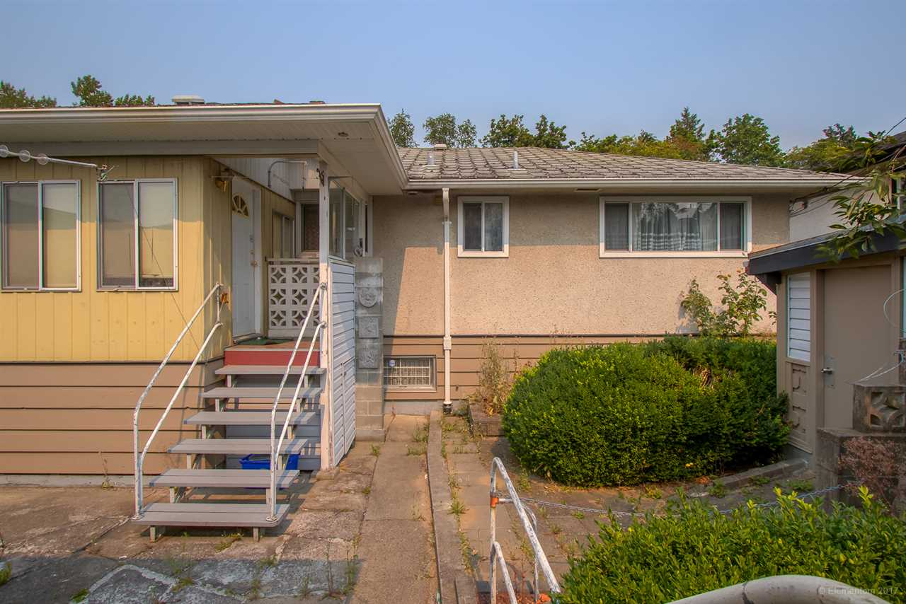 Detached at 7375 NEWCOMBE STREET, Burnaby East, British Columbia. Image 15