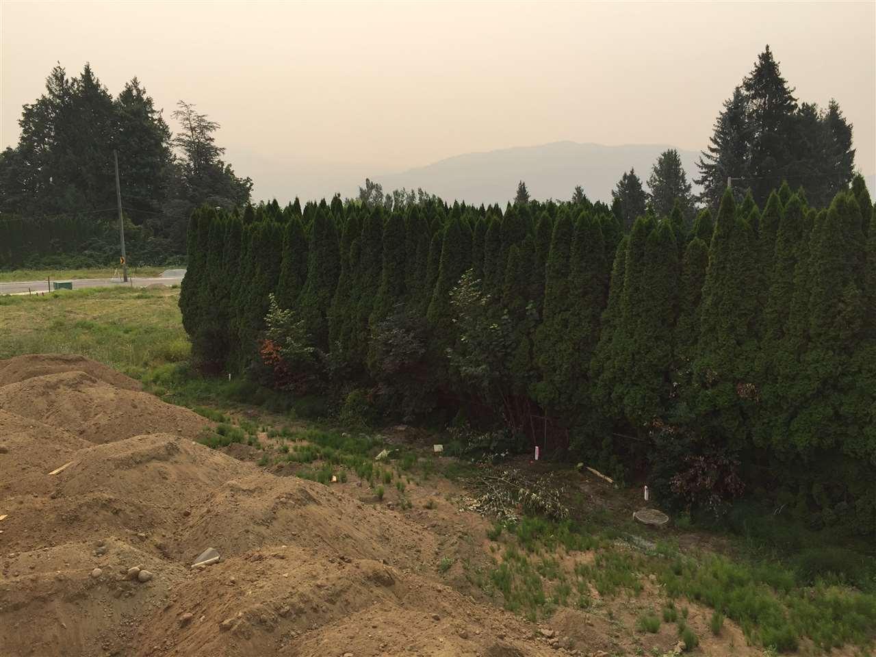 Detached at 35240 EWERT AVENUE, Mission, British Columbia. Image 2
