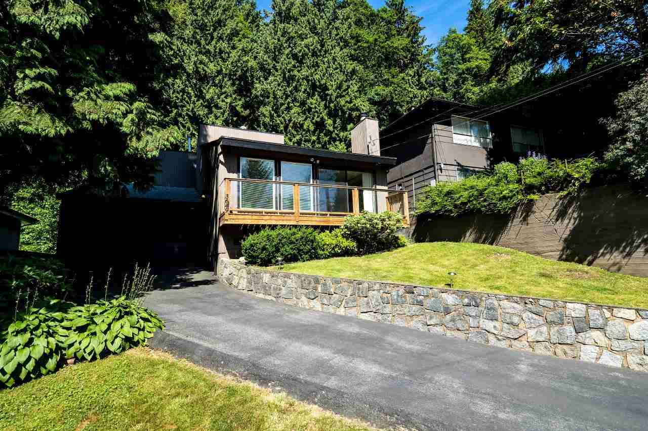 Detached at 3649 SYKES ROAD, North Vancouver, British Columbia. Image 2