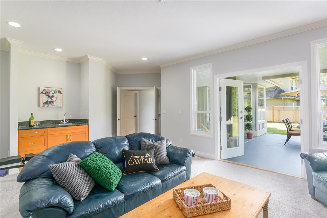 Detached at 2289 135A STREET, South Surrey White Rock, British Columbia. Image 9