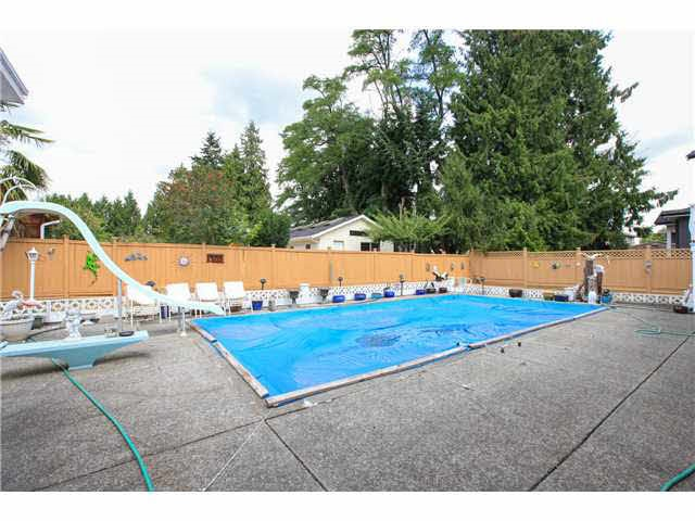 Detached at 4641 VICTORY STREET, Burnaby South, British Columbia. Image 6