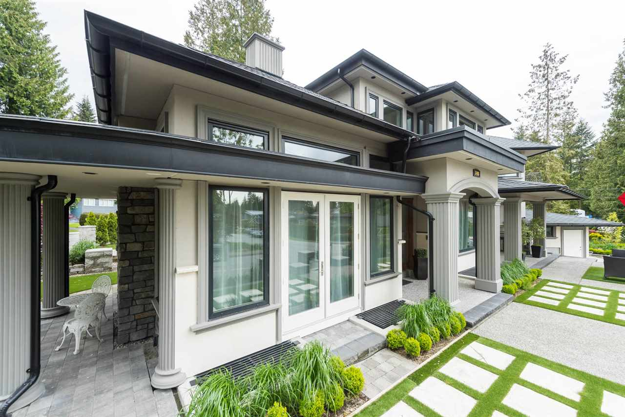 Detached at 3498 SUNSET BOULEVARD, North Vancouver, British Columbia. Image 2