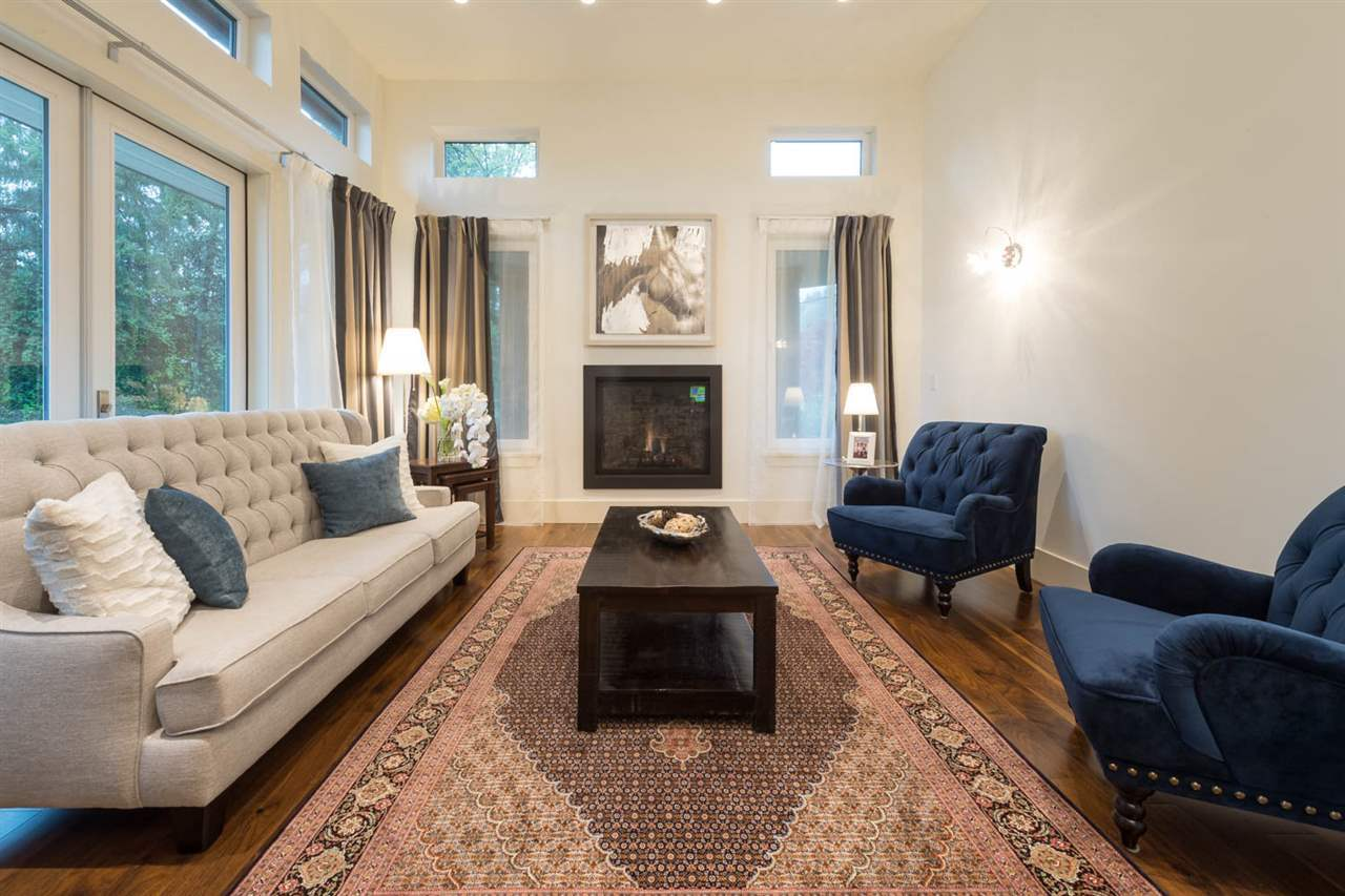 Detached at 3498 SUNSET BOULEVARD, North Vancouver, British Columbia. Image 6