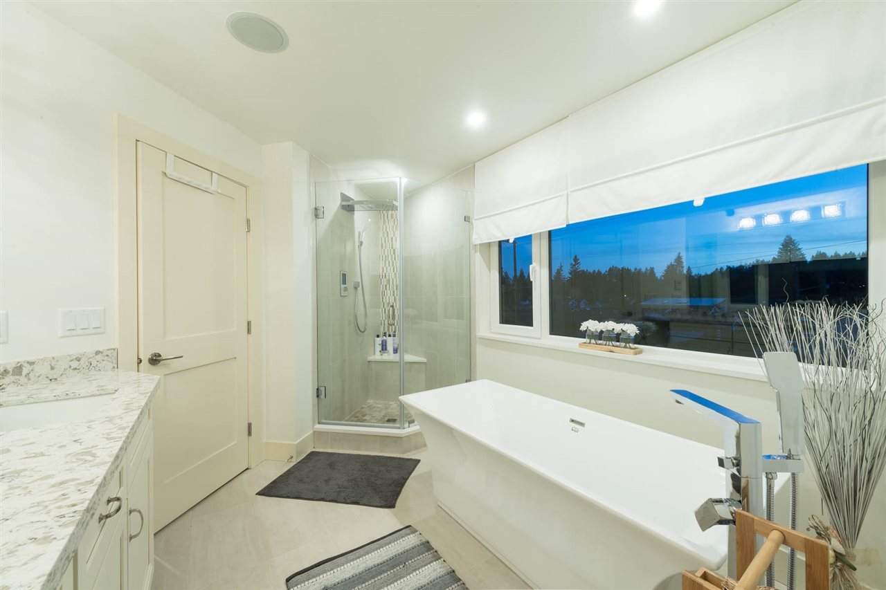 Detached at 3498 SUNSET BOULEVARD, North Vancouver, British Columbia. Image 14