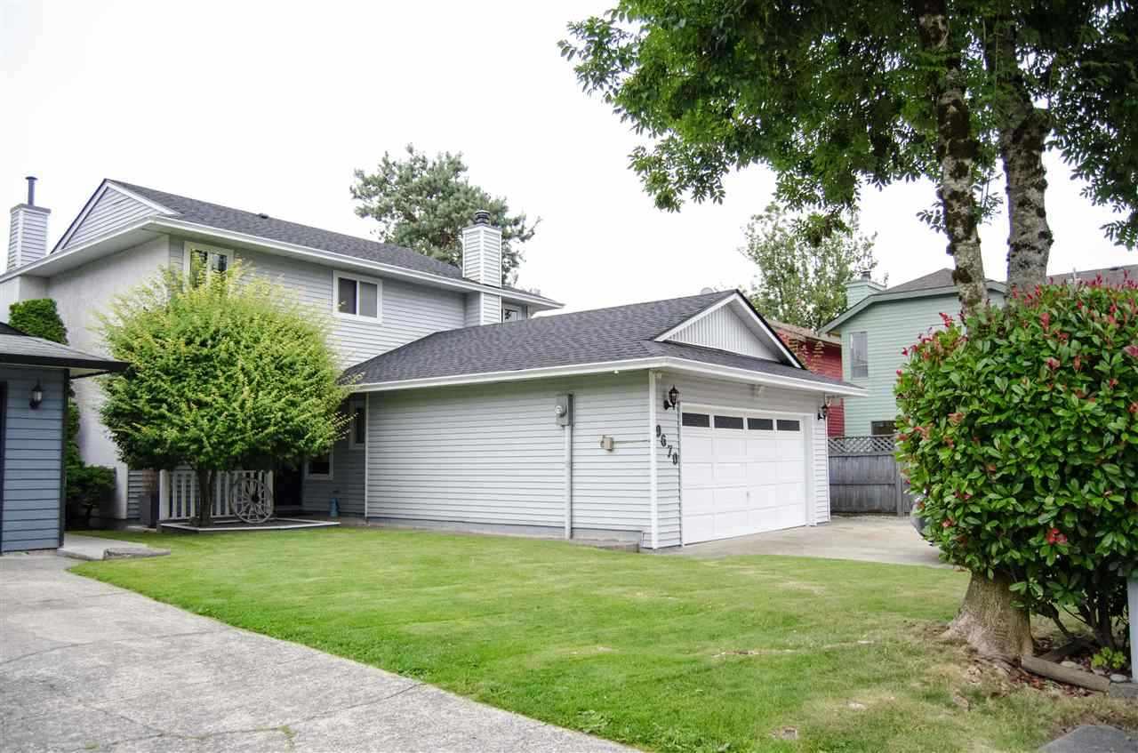 Detached at 9670 155 STREET, North Surrey, British Columbia. Image 11