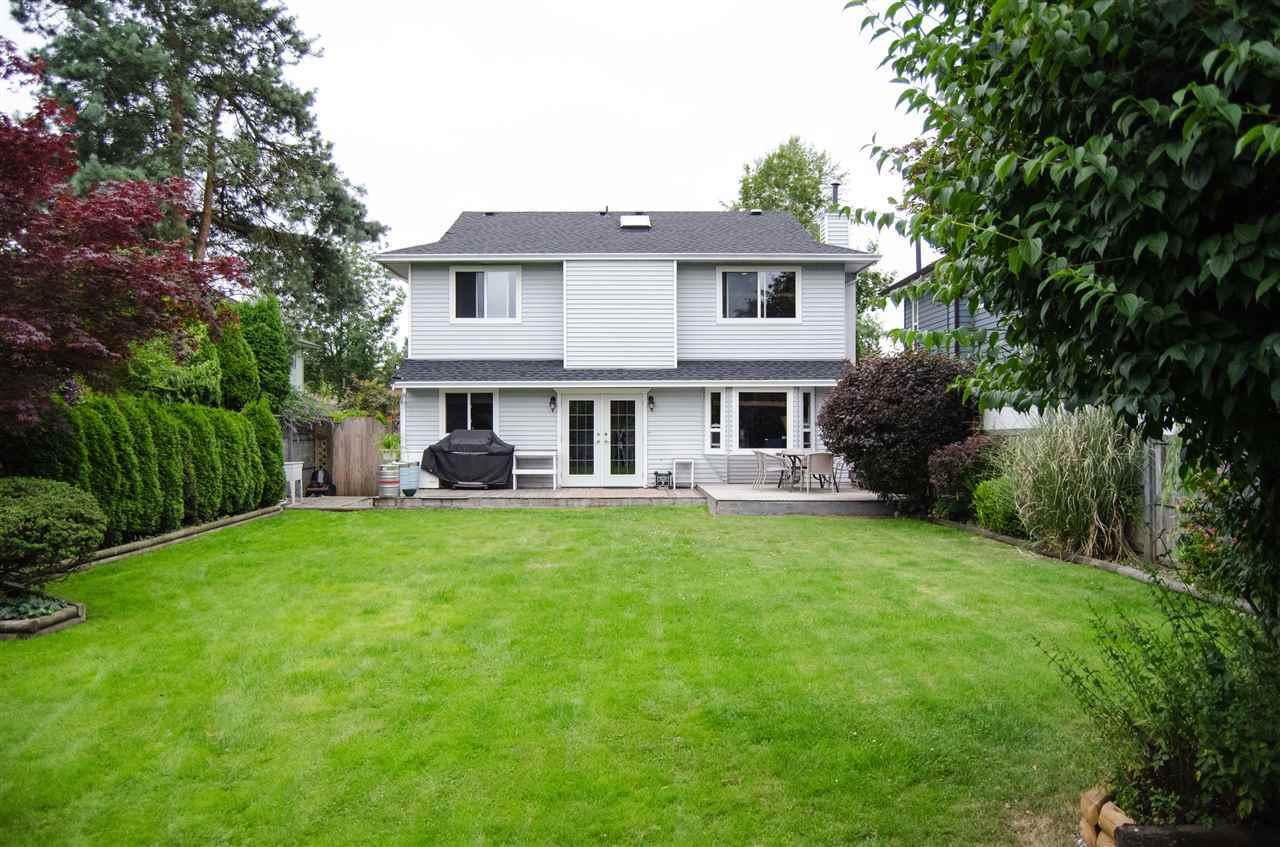 Detached at 9670 155 STREET, North Surrey, British Columbia. Image 13