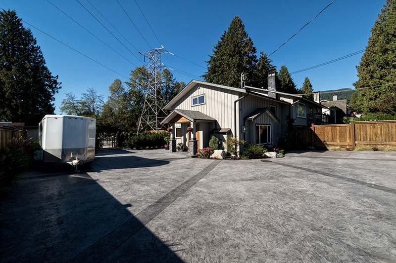 Detached at 2673 WILLIAM AVENUE, North Vancouver, British Columbia. Image 2