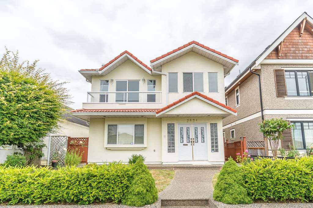 Detached at 3831 SPRUCE STREET, Burnaby South, British Columbia. Image 1