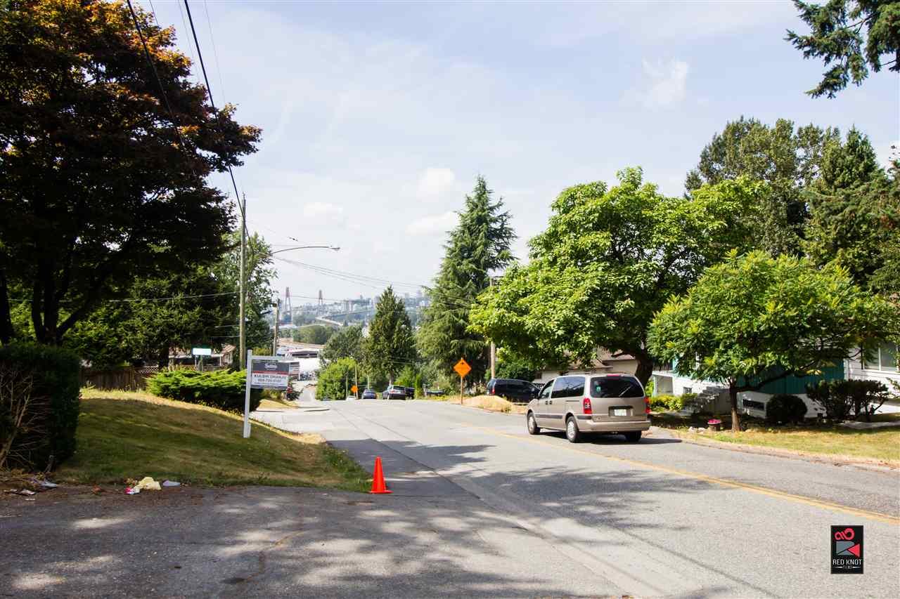 Detached at 12970 111 AVENUE, North Surrey, British Columbia. Image 2