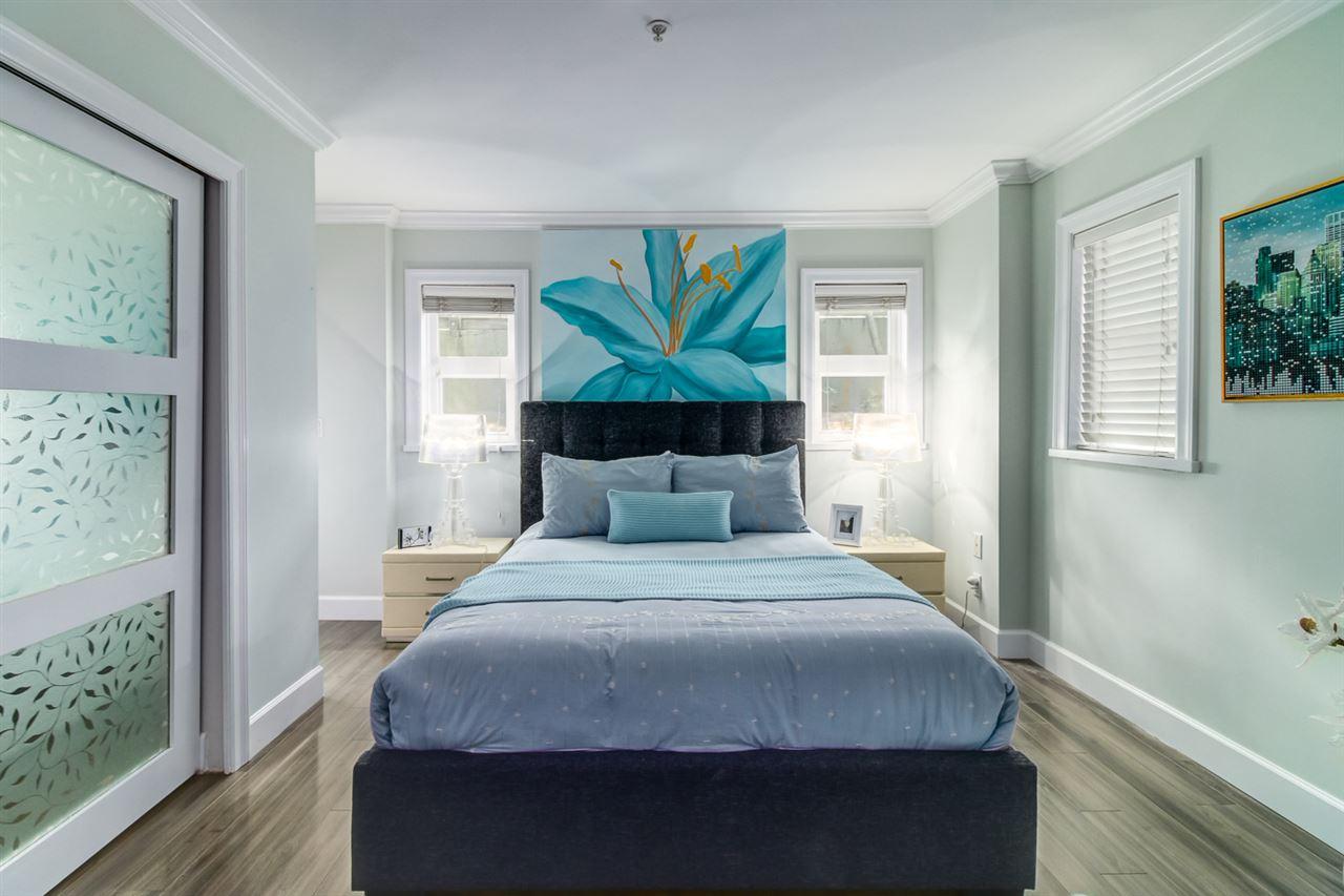 Condo Apartment at 103 2110 YORK AVENUE, Unit 103, Vancouver West, British Columbia. Image 6