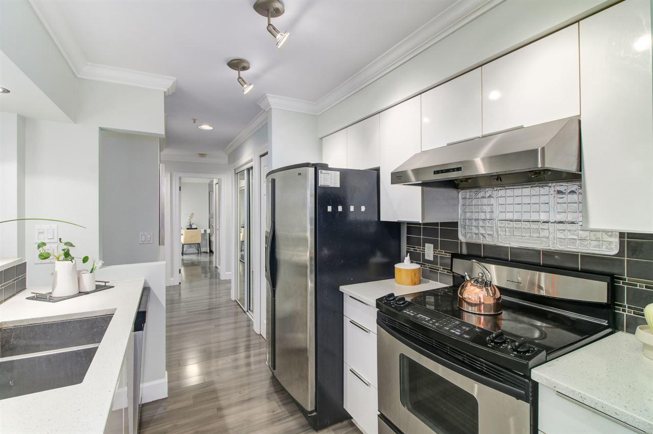 Condo Apartment at 103 2110 YORK AVENUE, Unit 103, Vancouver West, British Columbia. Image 9