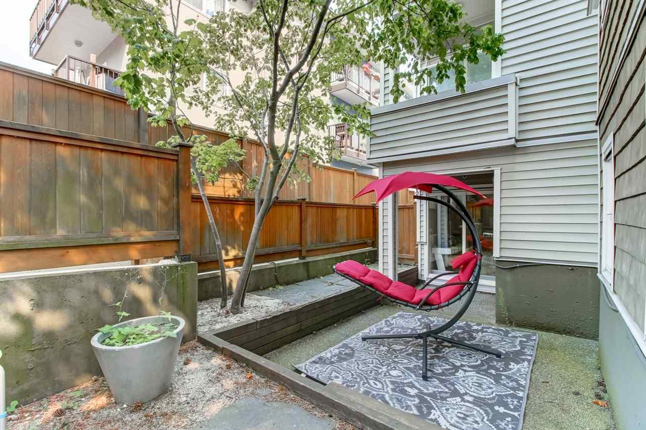 Condo Apartment at 103 2110 YORK AVENUE, Unit 103, Vancouver West, British Columbia. Image 16