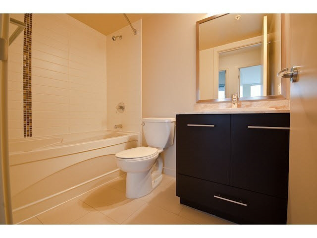 Half-duplex at 5279 DIVINE PLACE, Burnaby South, British Columbia. Image 6