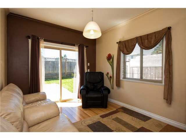 Half-duplex at 5279 DIVINE PLACE, Burnaby South, British Columbia. Image 8