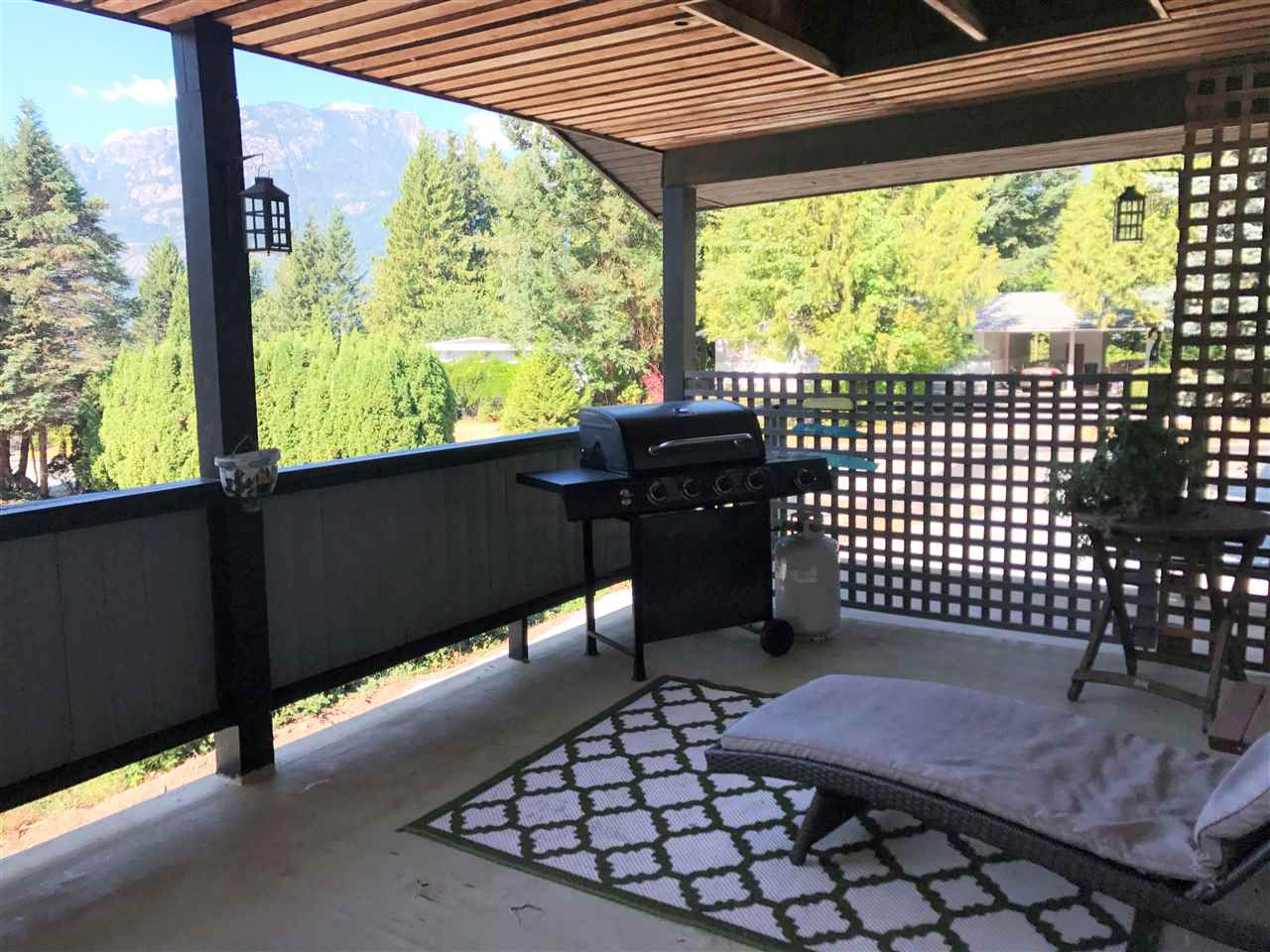 Detached at 40382 SKYLINE DRIVE, Squamish, British Columbia. Image 17