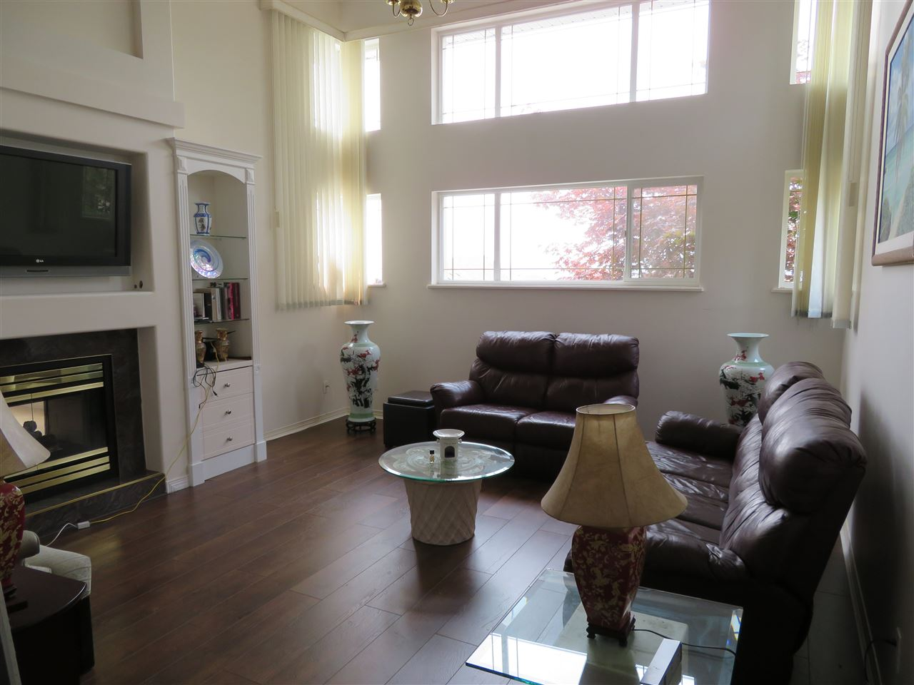 Detached at 948 FORT FRASER RISE, Port Coquitlam, British Columbia. Image 2