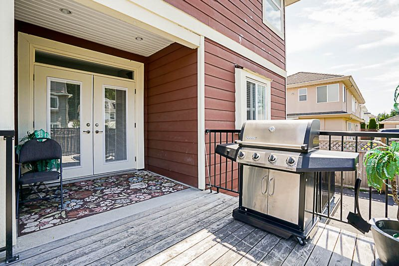 Detached at 9279 160A STREET, Surrey, British Columbia. Image 7