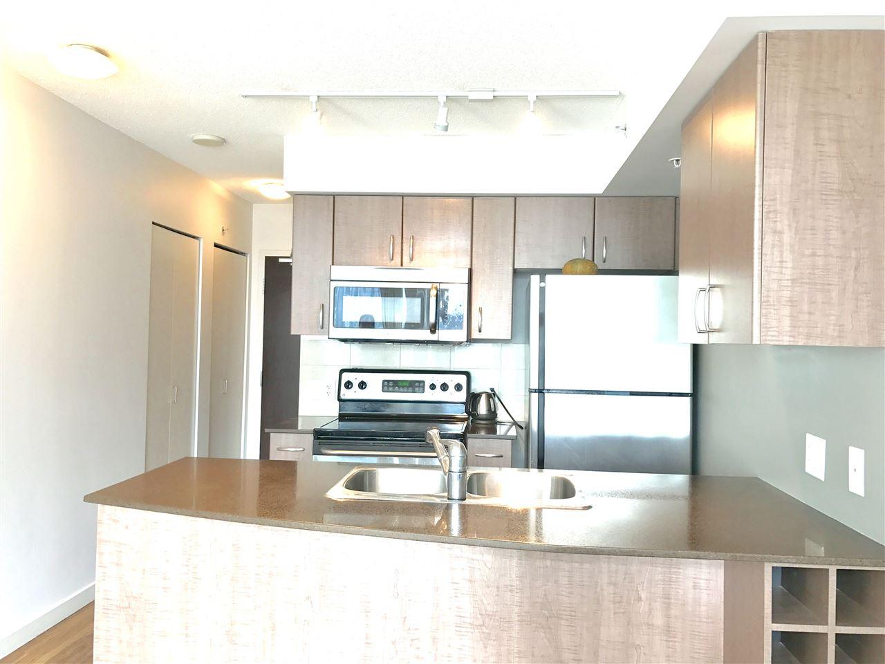 Condo Apartment at 622 610 GRANVILLE STREET, Unit 622, Vancouver West, British Columbia. Image 4
