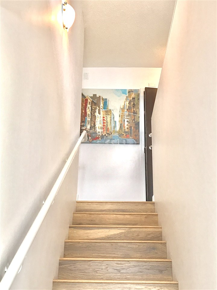 Condo Apartment at 622 610 GRANVILLE STREET, Unit 622, Vancouver West, British Columbia. Image 8