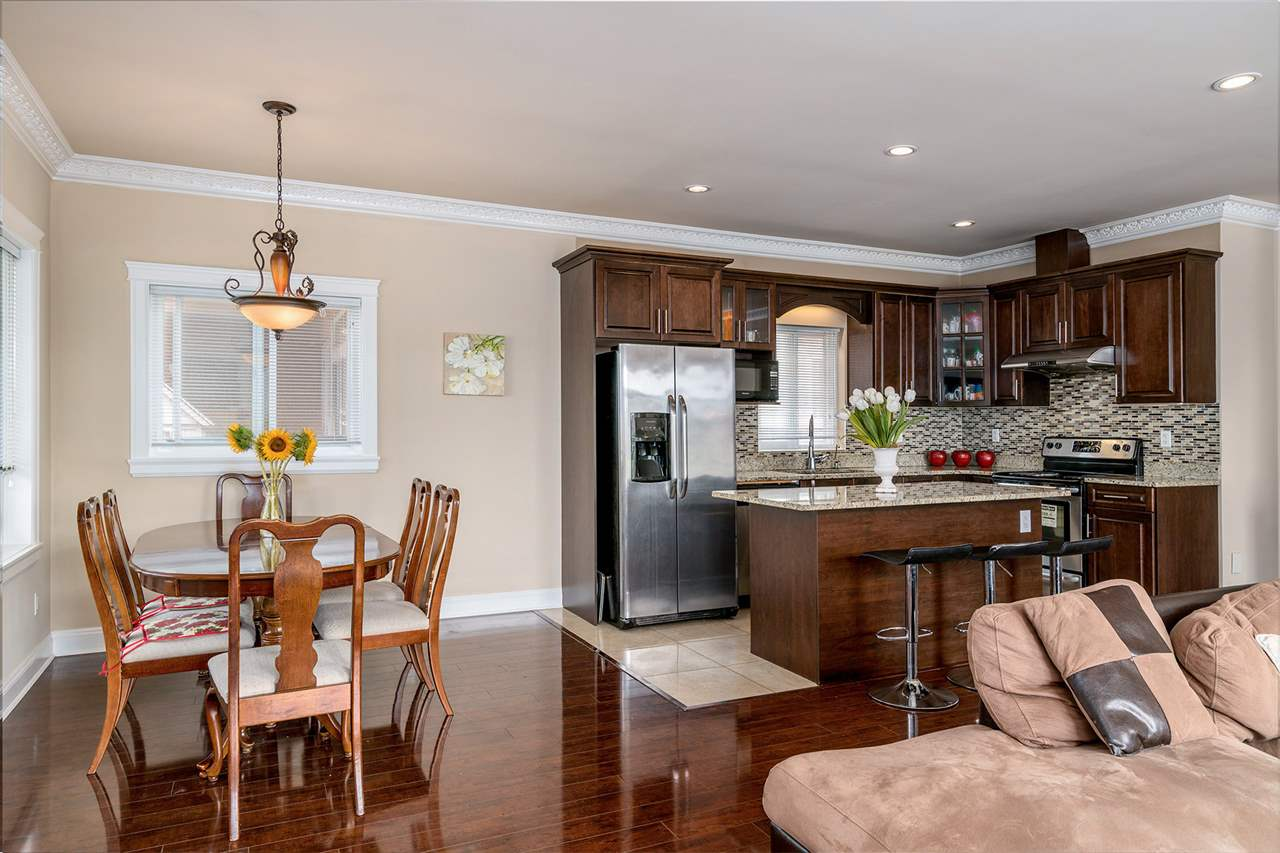 Detached at 7138 HUMPHRIES AVENUE, Burnaby South, British Columbia. Image 6