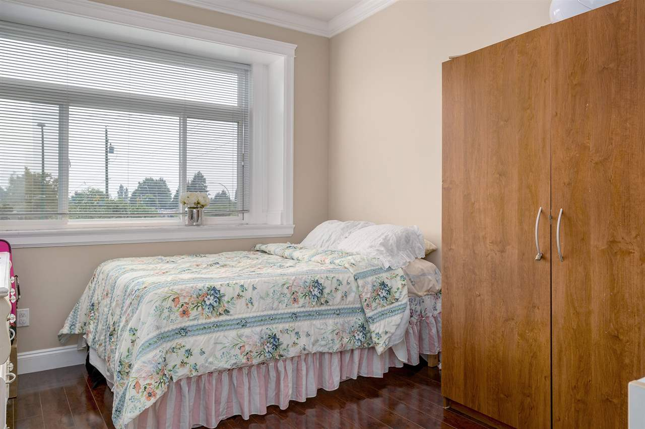 Detached at 7138 HUMPHRIES AVENUE, Burnaby South, British Columbia. Image 11