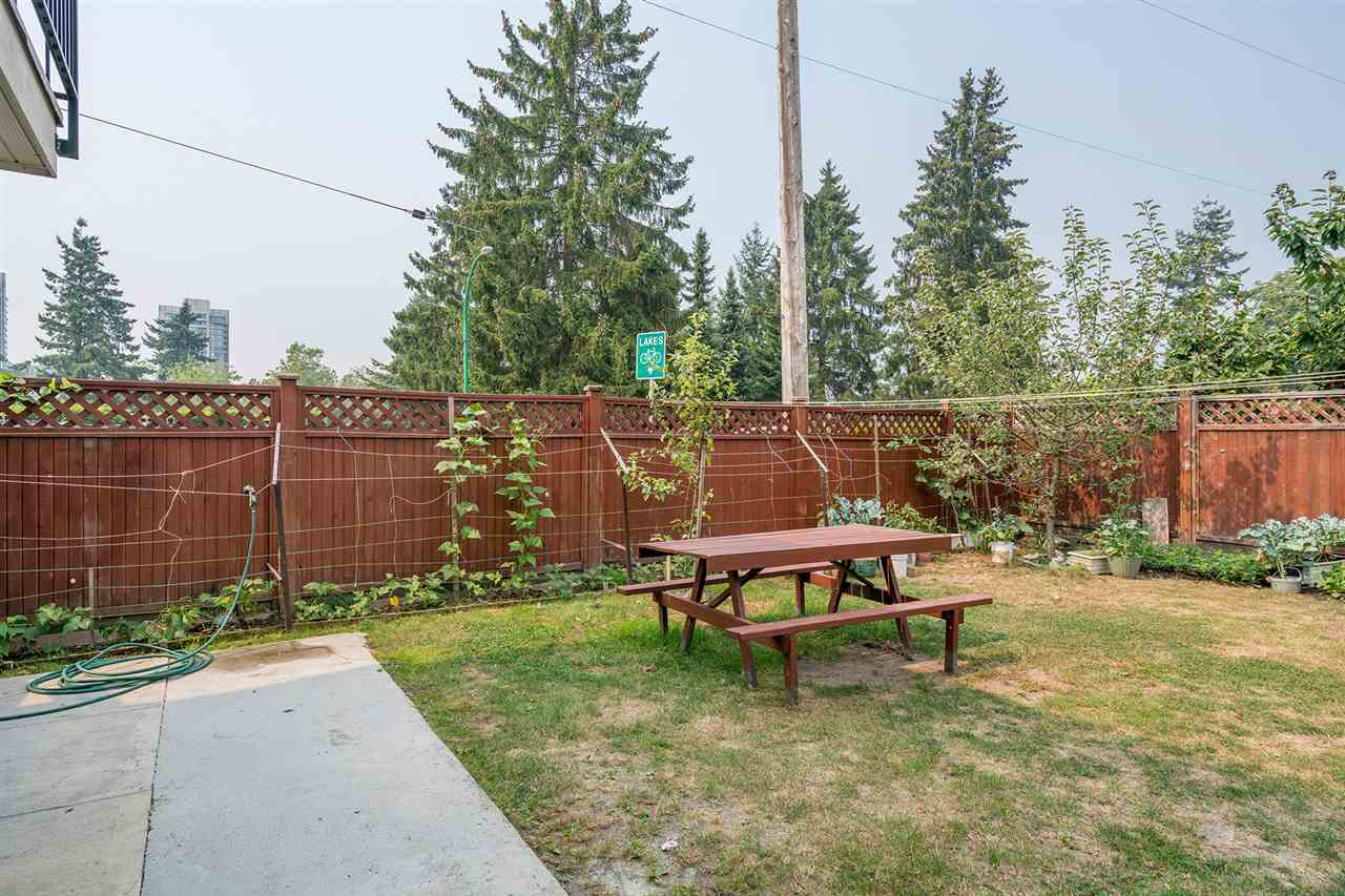 Detached at 7138 HUMPHRIES AVENUE, Burnaby South, British Columbia. Image 20