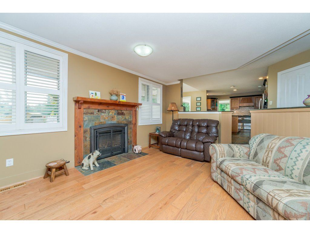Detached at 1118 212 STREET, Langley, British Columbia. Image 9