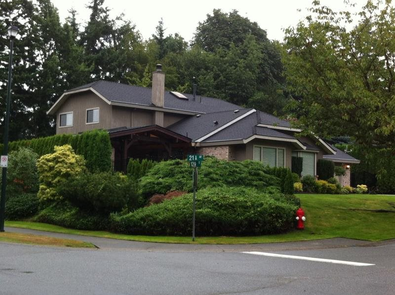 Detached at 12917 21A AVENUE, South Surrey White Rock, British Columbia. Image 1