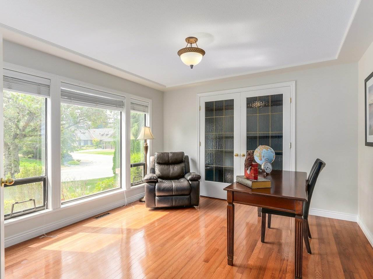 Detached at 12917 21A AVENUE, South Surrey White Rock, British Columbia. Image 5