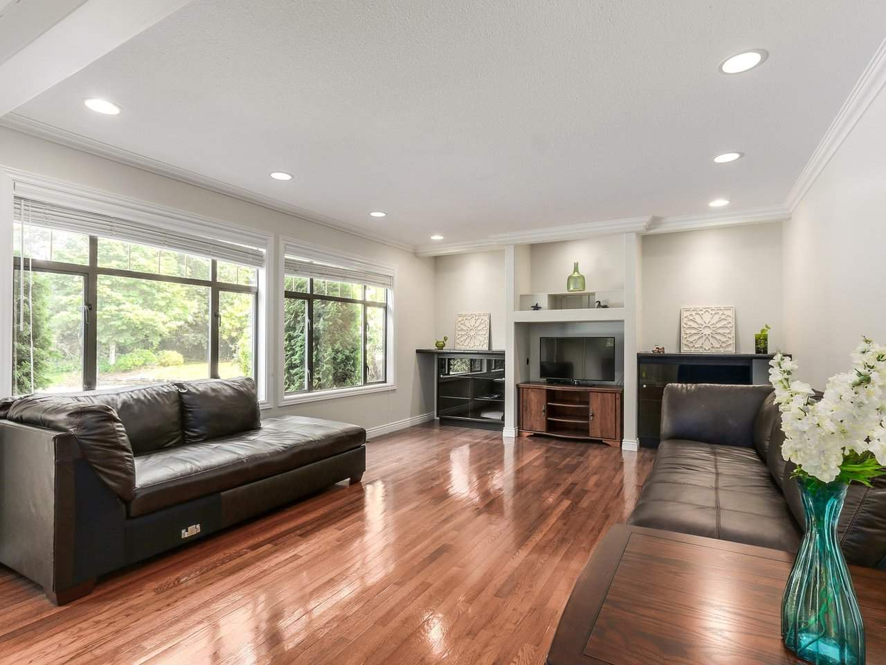 Detached at 12917 21A AVENUE, South Surrey White Rock, British Columbia. Image 10