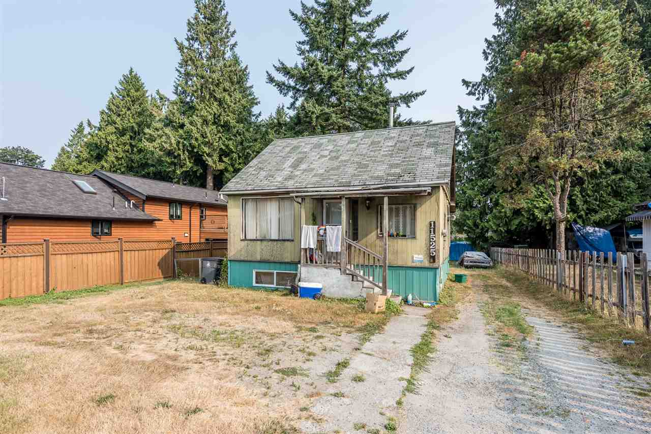 Detached at 11525 96 AVENUE, North Surrey, British Columbia. Image 1