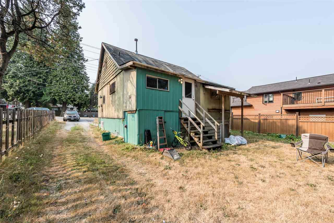 Detached at 11525 96 AVENUE, North Surrey, British Columbia. Image 5