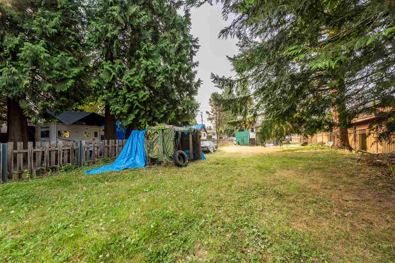 Detached at 11525 96 AVENUE, North Surrey, British Columbia. Image 10