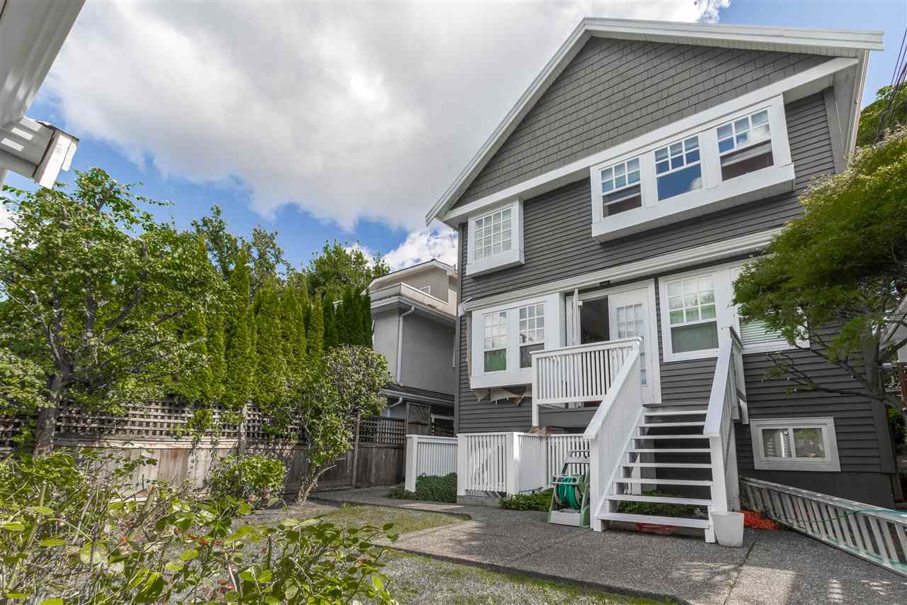 Detached at 3513 W 19TH AVENUE, Vancouver West, British Columbia. Image 2