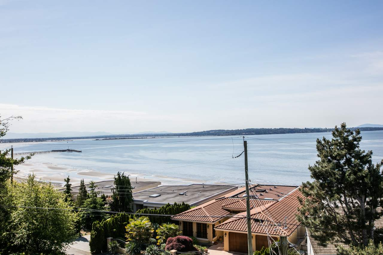 Detached at 14481 MAGDALEN CRESCENT, South Surrey White Rock, British Columbia. Image 1