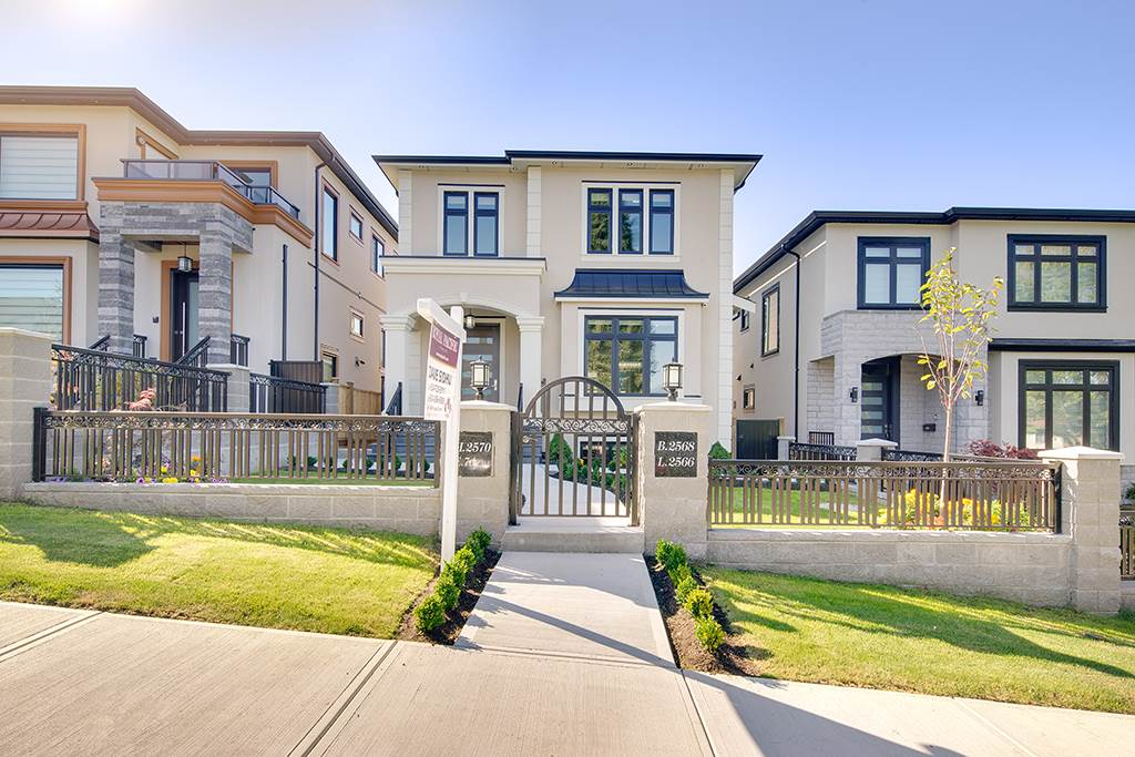 Detached at 2570 E 7TH AVENUE, Vancouver East, British Columbia. Image 2