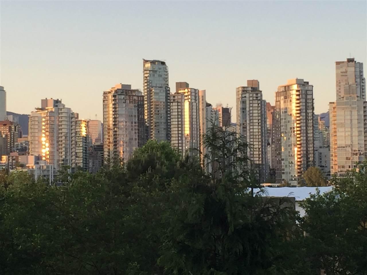 Condo Apartment at 205 1365 W 4TH AVENUE, Unit 205, Vancouver West, British Columbia. Image 1