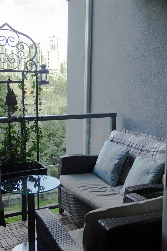 Condo Apartment at 205 1365 W 4TH AVENUE, Unit 205, Vancouver West, British Columbia. Image 6