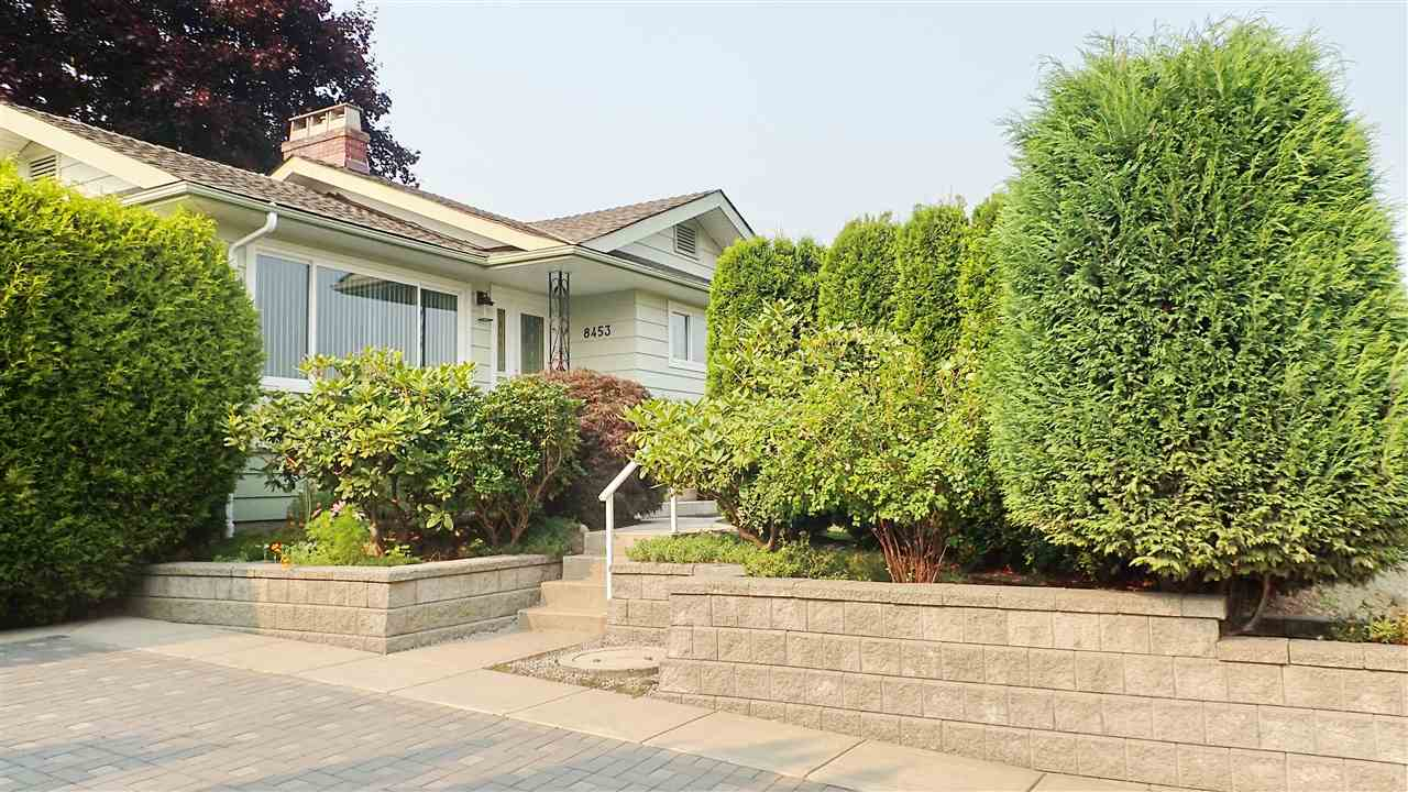 Detached at 8453 10TH AVENUE, Burnaby East, British Columbia. Image 2