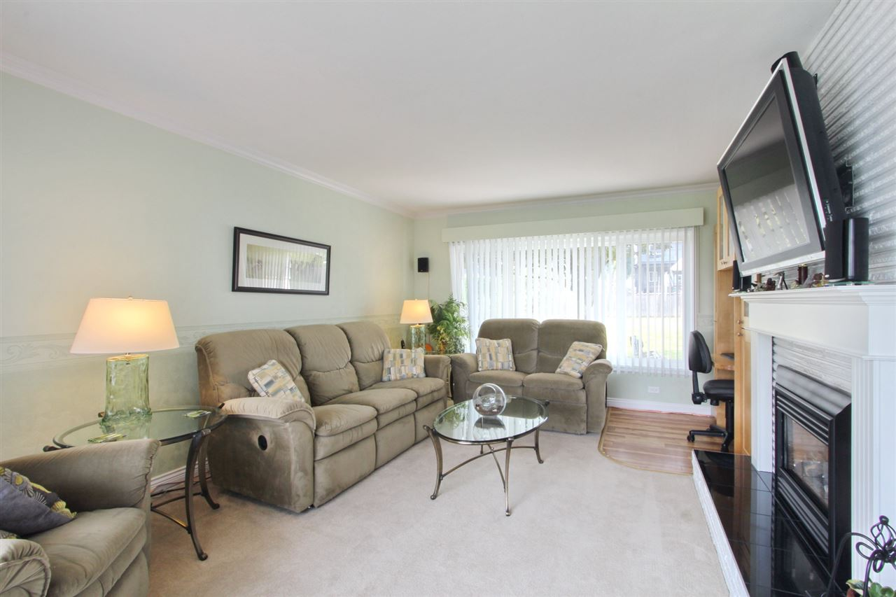 Detached at 8453 10TH AVENUE, Burnaby East, British Columbia. Image 13
