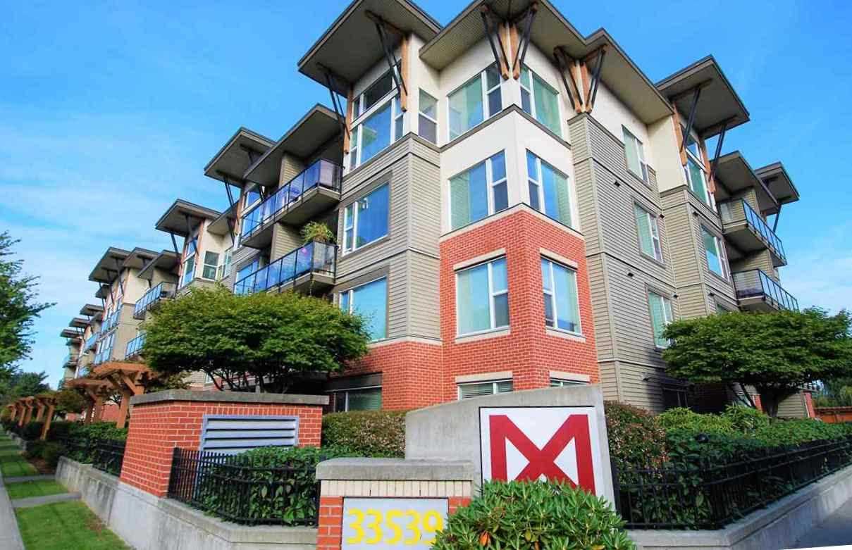 Condo Apartment at 220 33539 HOLLAND AVENUE, Unit 220, Abbotsford, British Columbia. Image 1