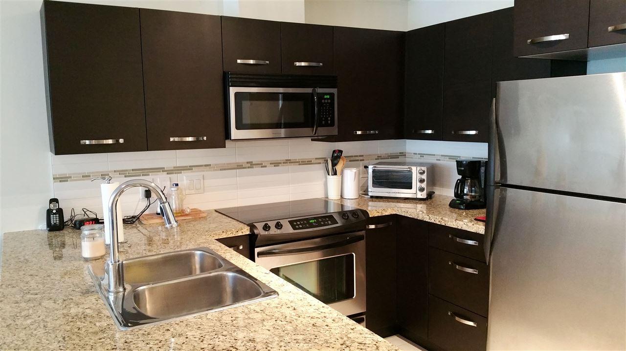 Condo Apartment at 220 33539 HOLLAND AVENUE, Unit 220, Abbotsford, British Columbia. Image 4