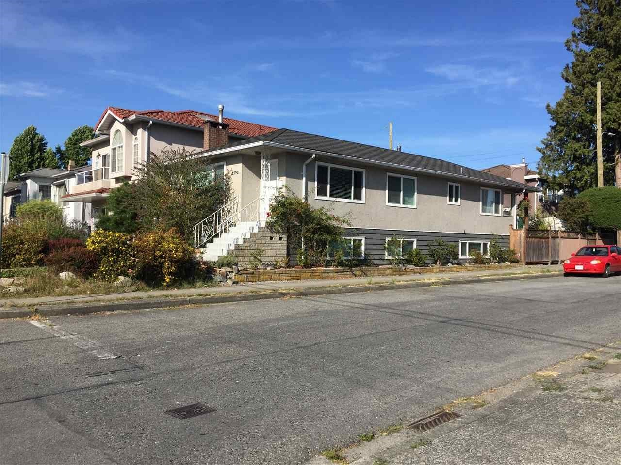 Detached at 6792 FRASER STREET, Vancouver East, British Columbia. Image 2