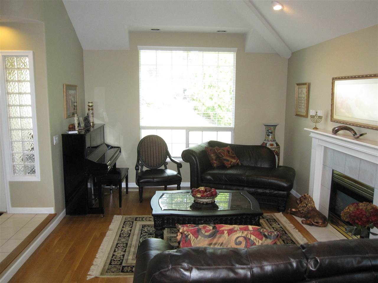 Detached at 2628 MARBLE COURT, Coquitlam, British Columbia. Image 5