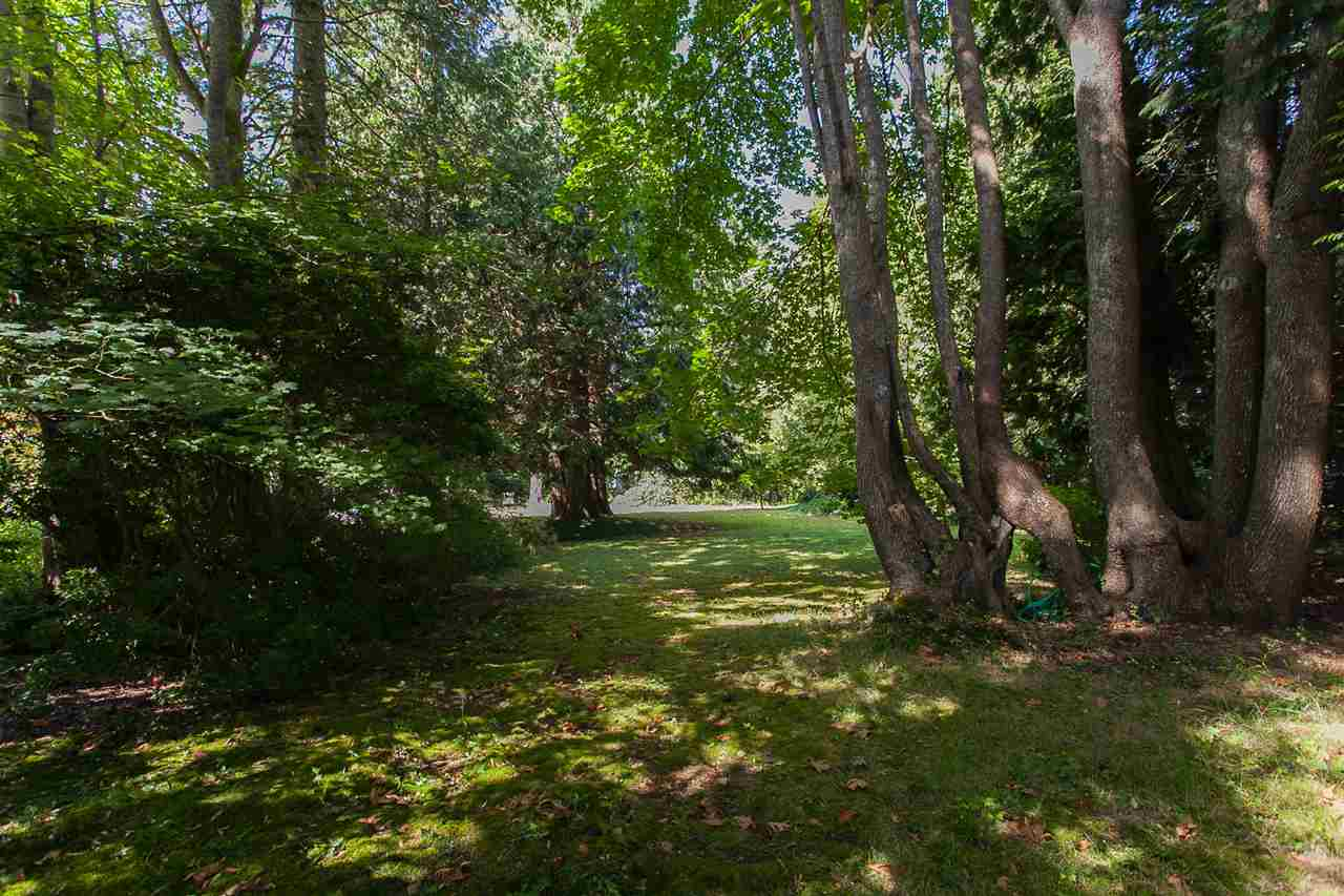 Detached at 12585 15 AVENUE, South Surrey White Rock, British Columbia. Image 5