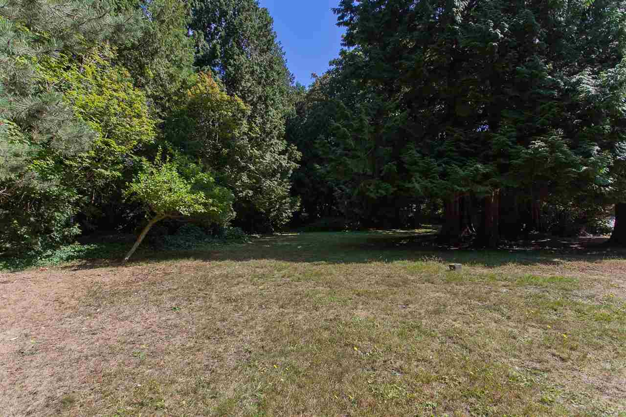 Detached at 12585 15 AVENUE, South Surrey White Rock, British Columbia. Image 7