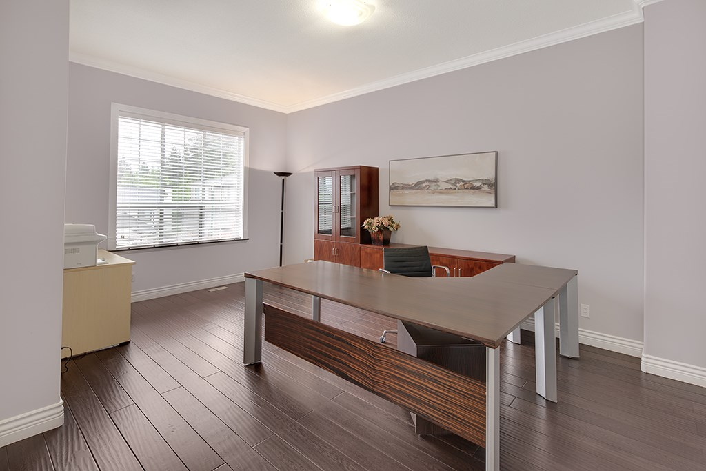 Detached at 2911 WOODSTONE COURT, Coquitlam, British Columbia. Image 5